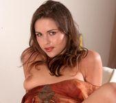 Veronica Strakova - BumbleGirls 12