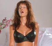 Tereza Brett - BumbleGirls 10