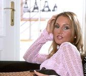 Gabriela Vevcrinkova - BumbleGirls 19