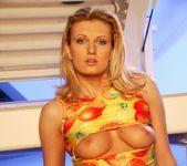 Dana Wise - MaxGlamour 10