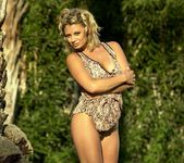 Christi Nicole Taylor - BumbleGirls 4