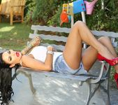 Angelina Valentine - Aziani 2