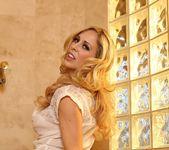 Cherie Deville - Aziani 3