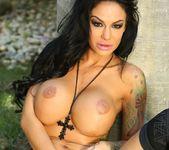 Angelina Valentine - Aziani 8