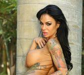 Angelina Valentine - Aziani 9