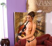 Tiffany Brookes - Aziani 6