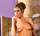 Tiffany Brookes - Aziani 7