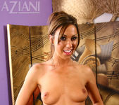 Tiffany Brookes - Aziani 13