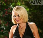 Hannah Hilton - Aziani 5