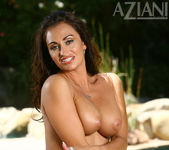 Claudia Valentine - Aziani 11