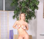 Megan Monroe - Aziani 13