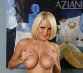 Hannah Hilton - Aziani 6