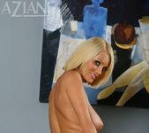 Hannah Hilton - Aziani 11