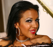 Maya Gates - Aziani 3