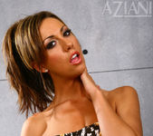 Tiffany Brookes - Aziani 3