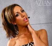 Tiffany Brookes - Aziani 3