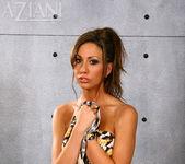 Tiffany Brookes - Aziani 4