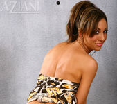 Tiffany Brookes - Aziani 5