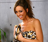 Tiffany Brookes - Aziani 6