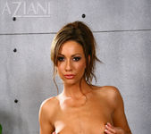 Tiffany Brookes - Aziani 8