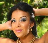 Maya Gates - Aziani 8
