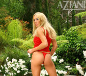 Cassie Young - Aziani 4