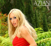 Cassie Young - Aziani 5