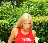 Cassie Young - Aziani 7