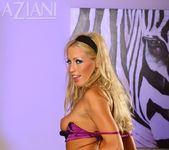 Cassie Young - Aziani 6