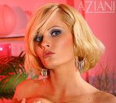 Hannah Hilton - Aziani 13