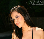 Cassia Riley - Aziani 5