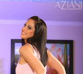 Cassia Riley - Aziani 3