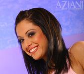 Cassia Riley - Aziani 6