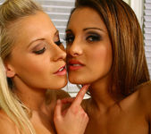 Andie and Lena - Aziani 15
