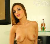 Andie Valentino - Aziani 8