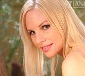 Julie Michel - Aziani 8