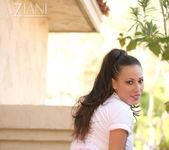 Layla Rivera - Aziani 4