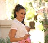 Layla Rivera - Aziani 15