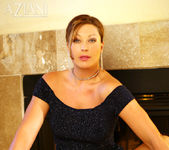 Alischa - Hot bush mature woman 4
