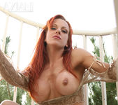 Shannon Kelly - Aziani 8