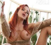 Shannon Kelly - Aziani 9