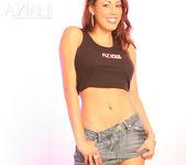 Layla Rivera - Aziani 8