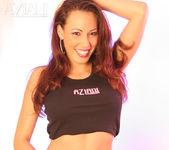 Layla Rivera - Aziani 11
