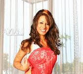 Mya Nicole - Aziani 4