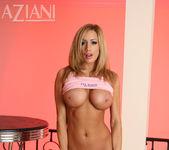 Lexxi Tyler - Aziani 12