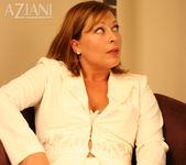 Alischa - the boss in pantyhose 13