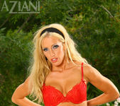 Cassie Young - Aziani 8