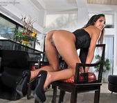 Chloe Amour - InTheCrack 9