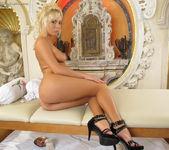 Natali Blond - InTheCrack 6