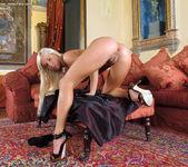 Natali Blond - InTheCrack 9